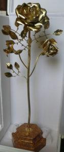 Rosa d'oro della basilica del Santuario della Madonna della Guardia di Genova